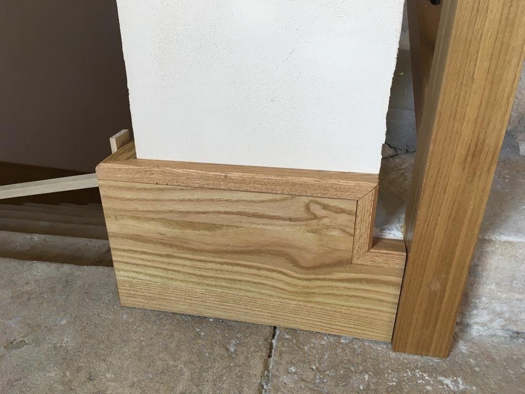 colle plinthe bois