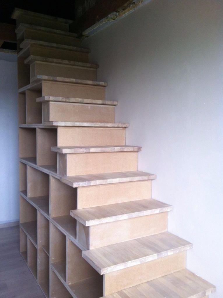 fabriquer une bibliothèque en bois