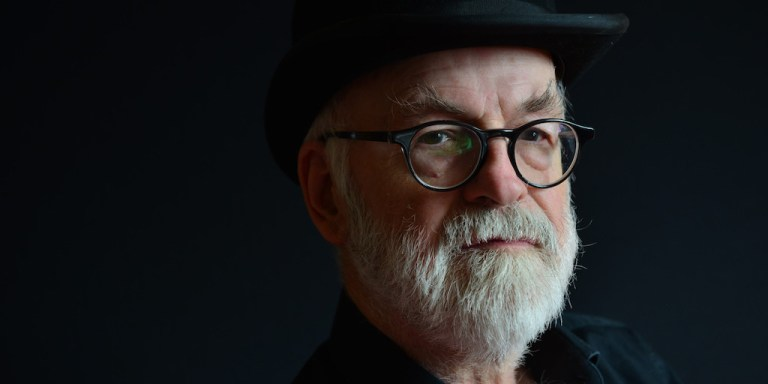 Portrait of English fantasy author Sir Terry Pratchett,  (Photo by Kevin Nixon/SFX Magazine via Getty Images)