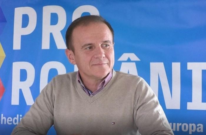 """Pro România Mehedinți: """"Propunerea d-lui Teodorovici de a restricționa dreptul românilor de a munci în străinătate este profund anti-europeană"""""""