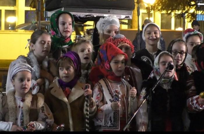 Târgul de Crăciun din zona Palatului Administrativ, bucuria copiilor, dar și a adulților!