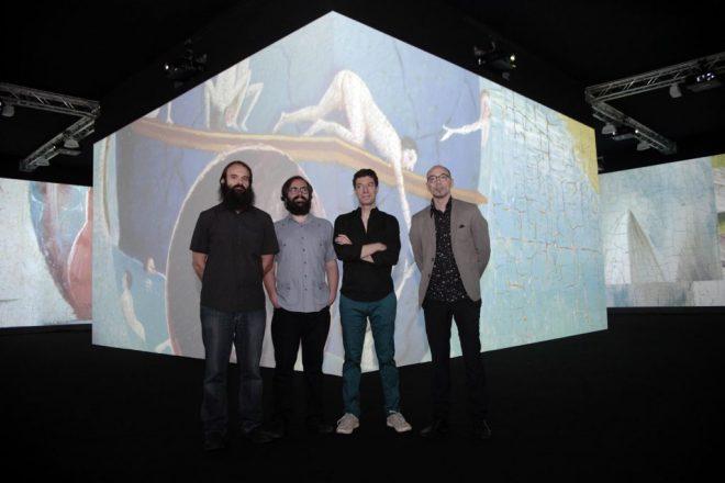 """Javier Adán y Santiago Rapallo, compositores del audio; junto a Andrés Sanz y Álvaro Perdices, autores de la videoinstalación """"Jardín infinito""""."""