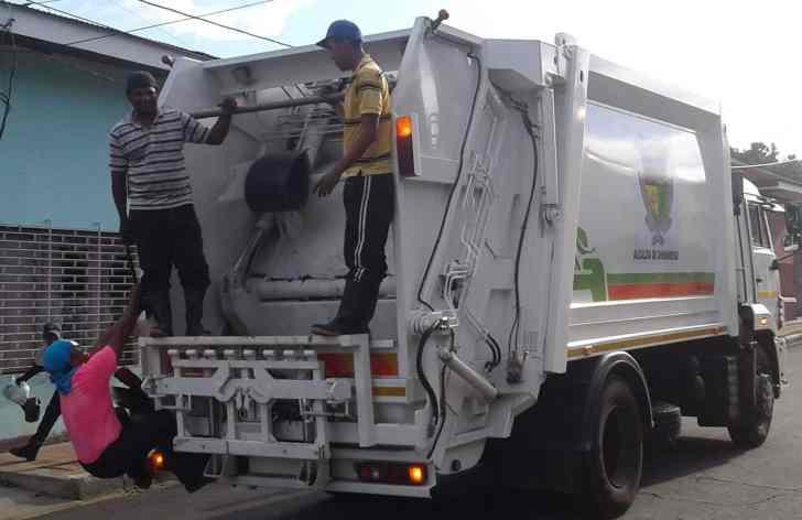 Camion nuevo de basura