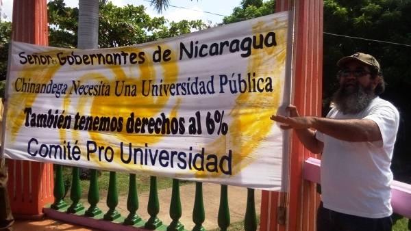 Solicitan Universidad