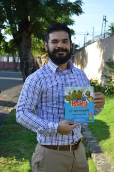 Sergio Bustamante con Baky