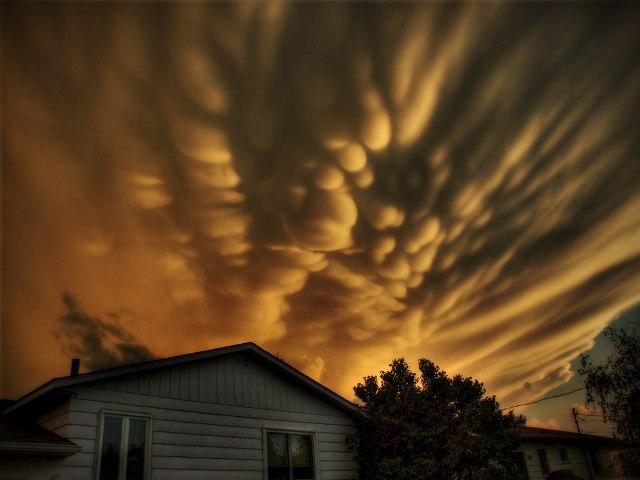 nubes mastodonticas