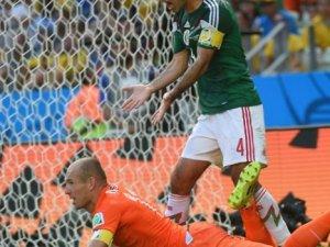 Mundial: Arjen Robben en el piso penal contra México