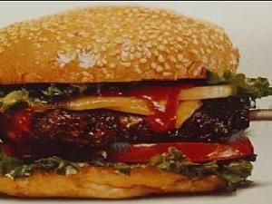cola de ratón e una hamburguesa