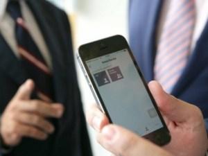 Celular con la aplicación Alert Cops