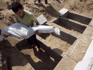 Palestino entierra a un familiar