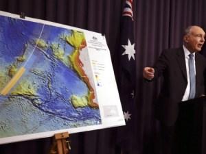 Fucionario explican estrategia de búsqueda de avión Malayo