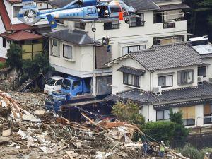 Rescate deslizamientos por lluvias en Hiroshima