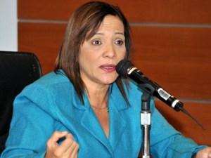 Ministra de salud Nancy Pérez rueda de prensa