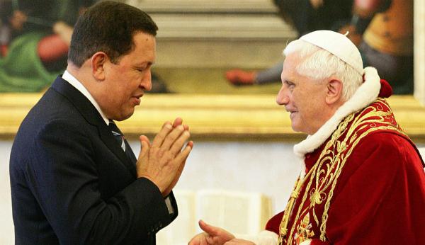 Hugo Chávez y el papa Benedicto VI