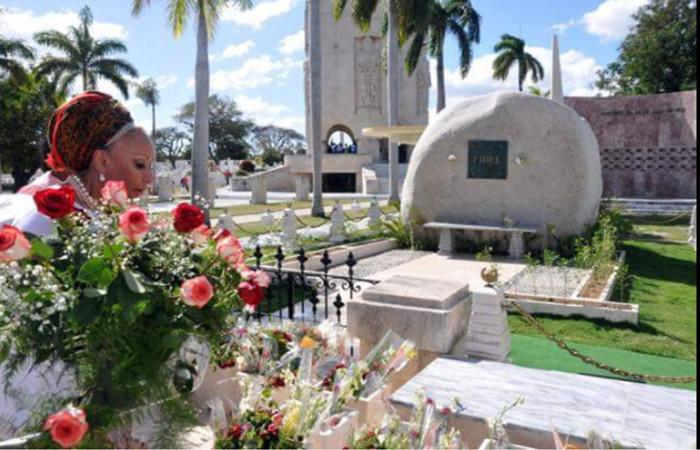 piedad en cementerio y tumba de fidel