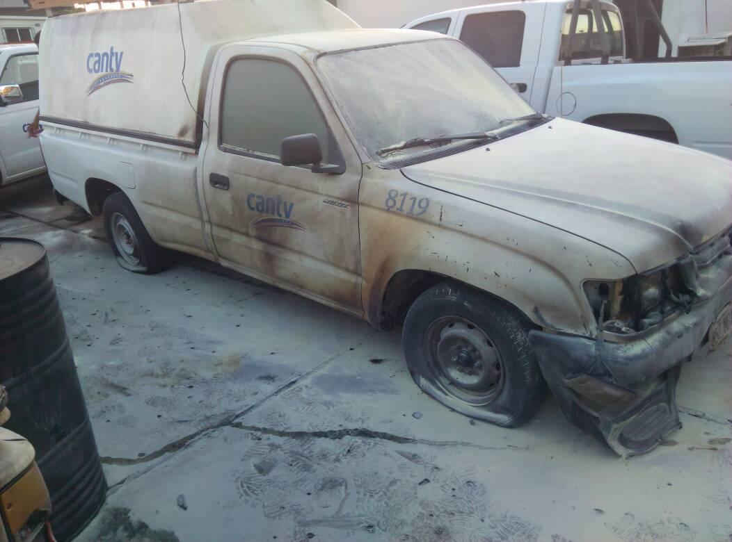 Grupos violentos queman vehículos en Cantv Maturín -1