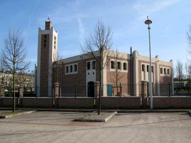 La mosquée d'Etouvie