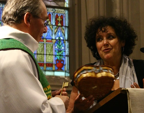 Jacqueline Eustache-Brinio à l'aise avec les chrétiens, mais pas les musulmans