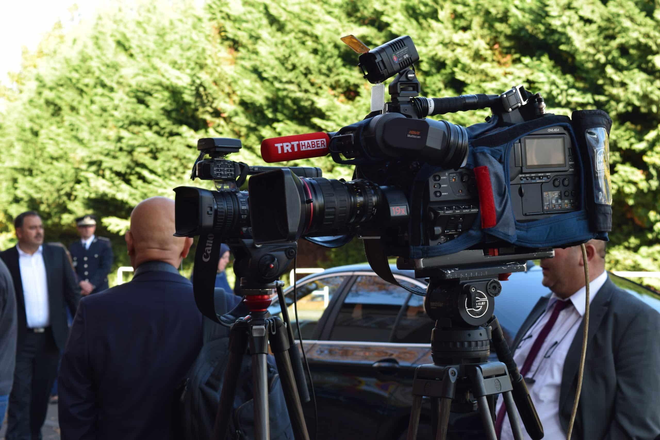 L'événement a été transmis en direct sur des médias internationnaux comme Al Jazeera et TRT