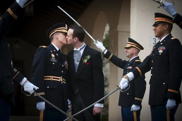 Protocolo en ceremonias militares pase de sables  Deseos