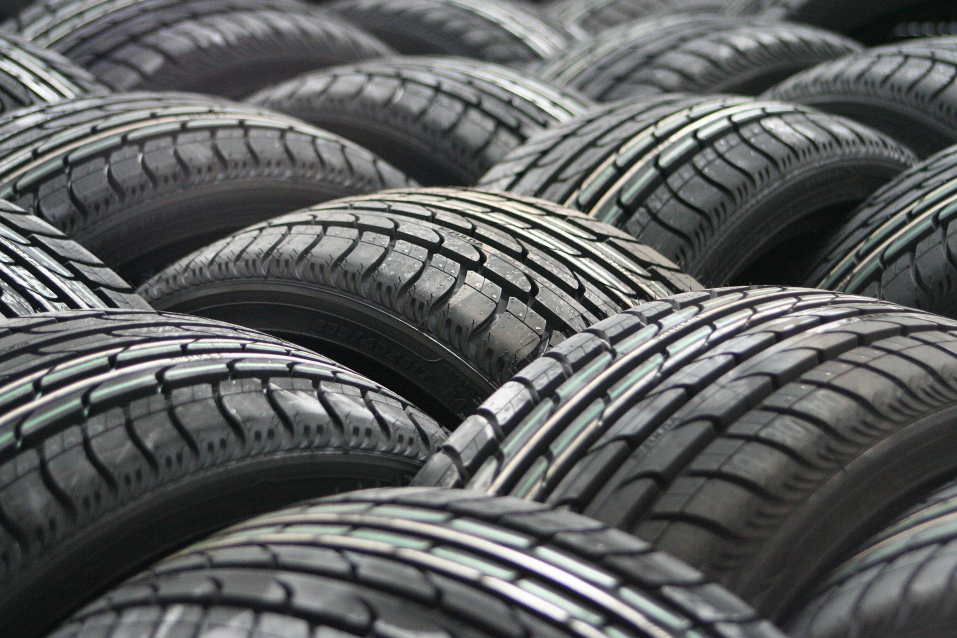 car-tyres-63928_1920