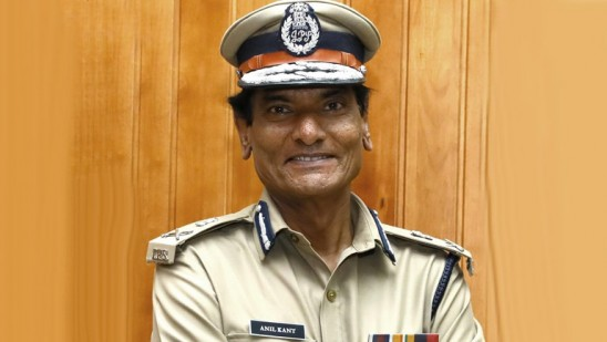 DGP says it is a crime to make a phone call using Bluetooth while driving  Kerala    Deshabhimani