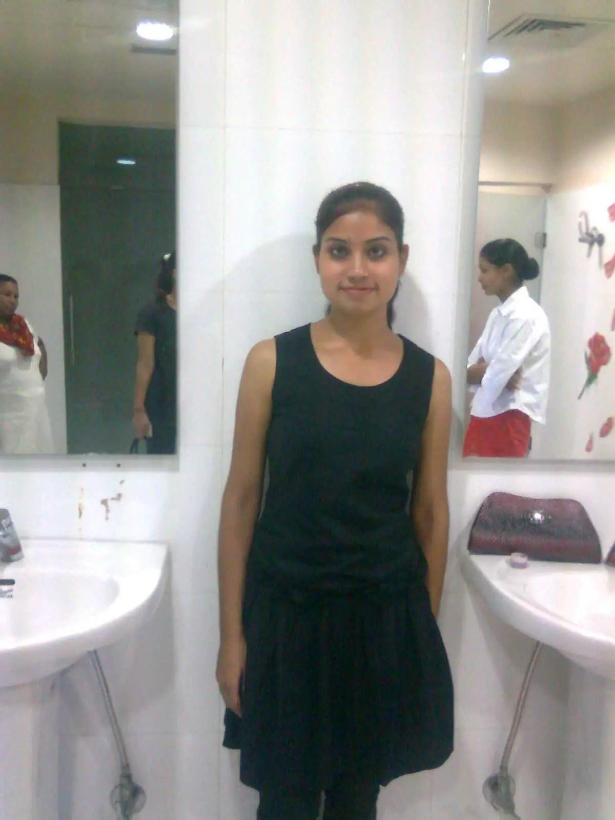 Desi Girl  DesiCommentscom