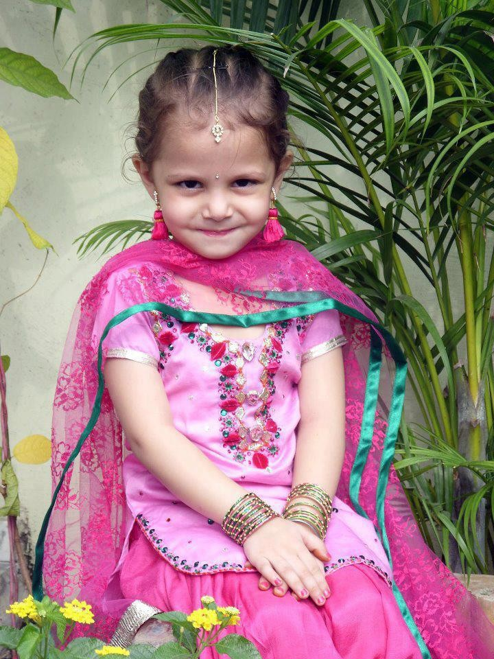 Www Baby Girl Wallpapers Com Punjaban Cute Girl Desicomments Com