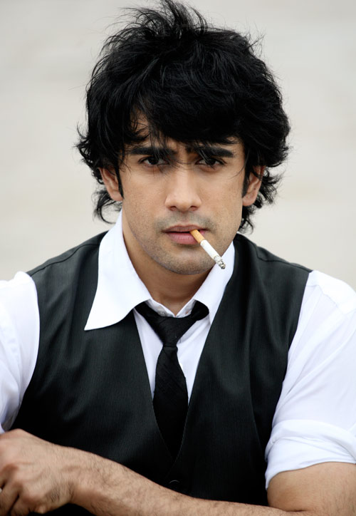 Love Sad Quotes Wallpapers Amit Sadh Is Smoking Desicomments Com