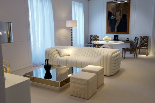 "The ""Bubble"" Collection of Sofas, Armchairs, Stools-Poufs, Chaise Longues-Loungers-Daybeds from VERSACE HOME (Copyright: © VERSACE HOME)"