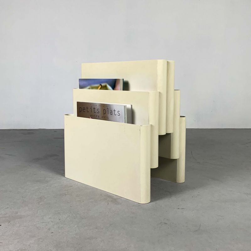 vintage white magazine rack by giotto stoppino for kartell 1970s