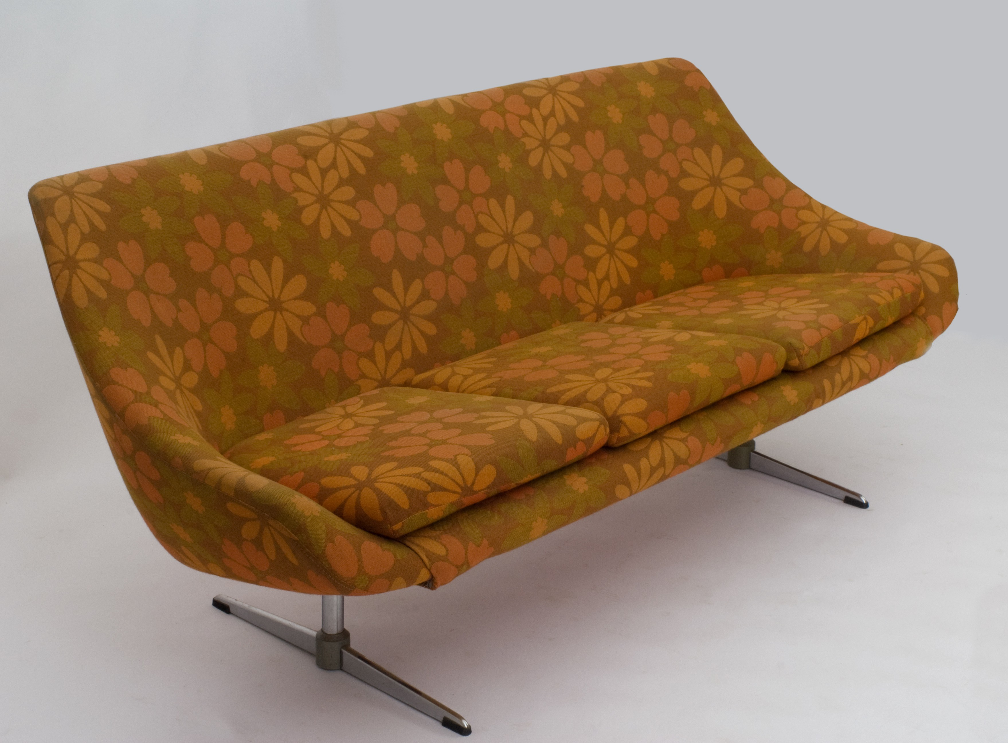 3 seater sofa with