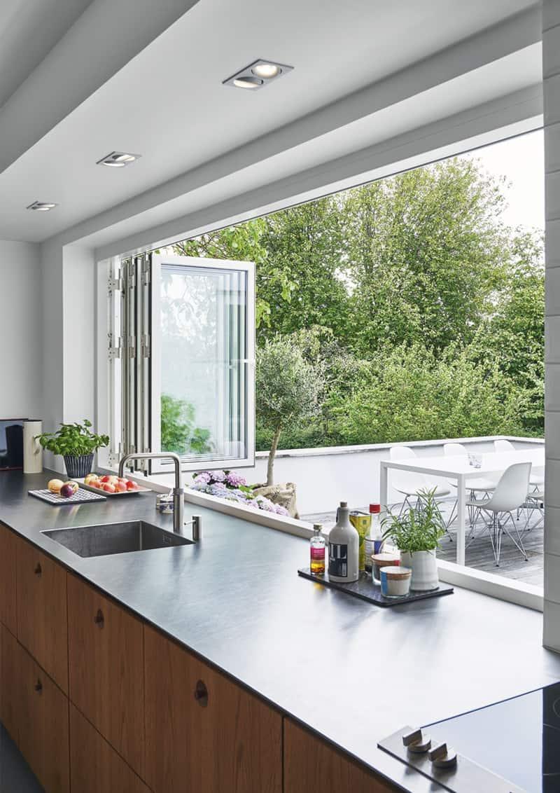cucina sotto finestra  come sfruttare al meglio lo spazio