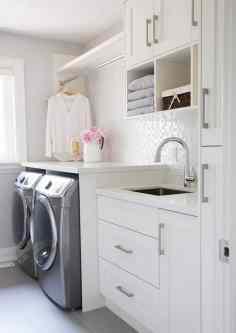 angolo lavanderia | immagine via Home Bunch