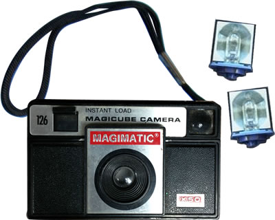 Magimatic Camera with Flash Cubes