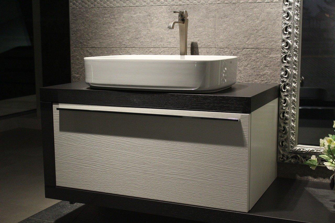 In secondo luogo, gli accessori per il bagno devono essere belli, piacevoli e in linea con l'arredo del bagno. Mobili Bagno Sospesi Ikea Leroy Merlin Mondoconvenienza E Altri