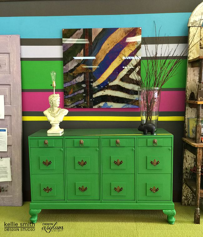Do you like bold colors? Find inspiration for your office in Kellie Smith's office makeover.