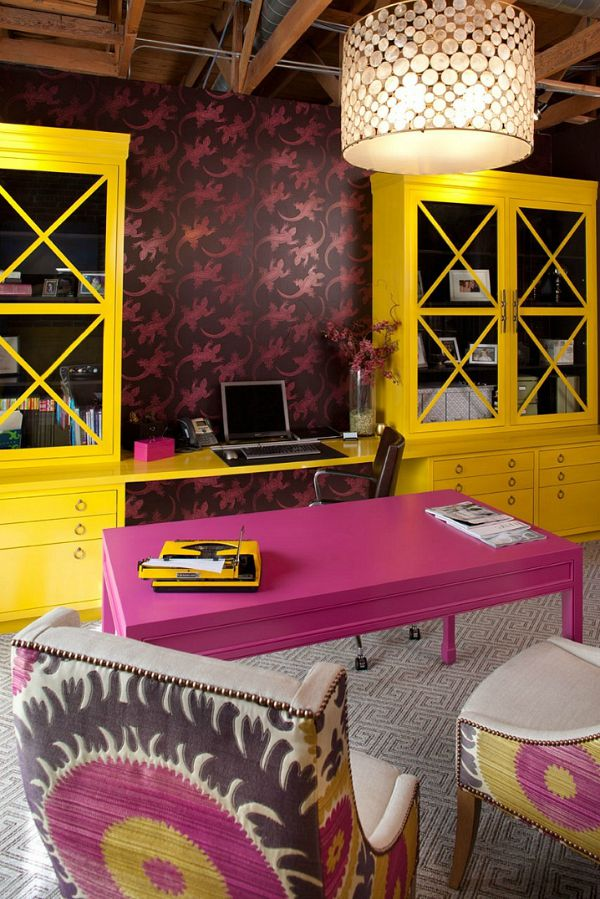 I know you guys have figured out that I love color. Let these colorful, beautiful rooms brighten your day!