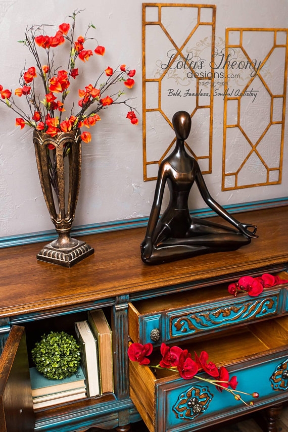 How to Blend &Layer Painton yourpainted furnitureprojects. Learn thefurniture painting techniqueofblendingandlayeringmultiple colors whilepainting furnitureto achieve a gorgeous finish. Thelayered painting techniqueis truly one of a kind.
