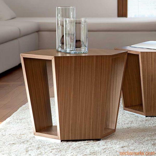 Tavolini in vetro da salotto, un design leggero e raffinato ideale per qualsiasi interno! Tavolino Da Salotto Moderno Diamonds Design At Home Blog Di Arredamento