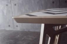 mosaicool-tavolo-design-con-piastrelle-calamitate (1)