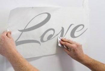 come applicare gli adesivi murali fase 5