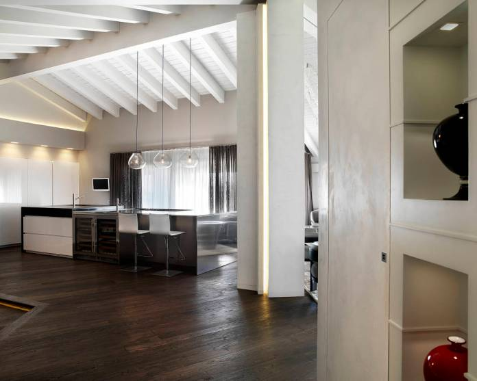 ingresso corridoio in stile moderno di studio d architettura Mirko Varischi