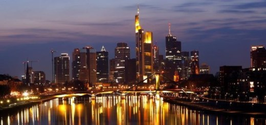 Frankfurt and Money: most frequent association