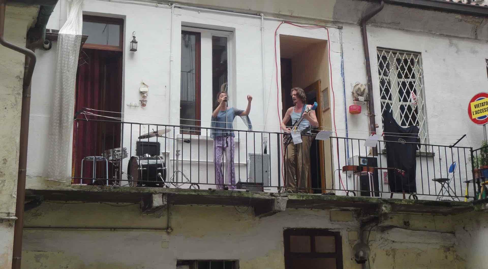 musica sui balconi