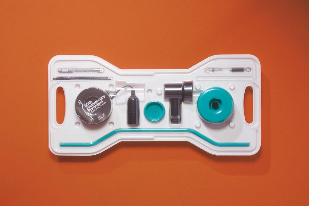 parentesi packaging flos