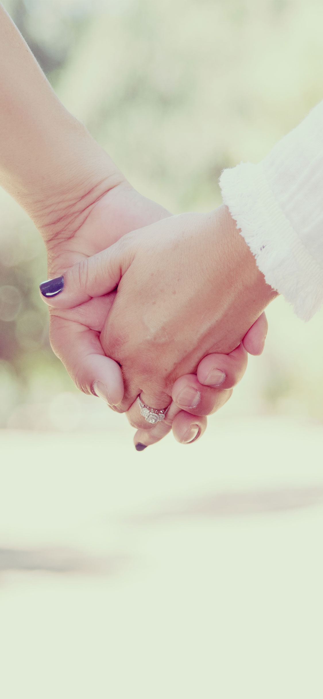 Cute Couple Holding Hands Wallpapers 30 New Iphone X Love Wallpapers Backgrounds For Couples