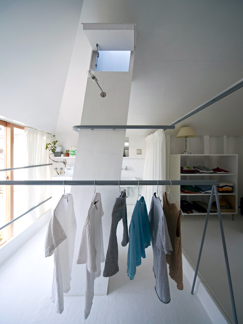 hanging kitchen light table chairs keiichi hayashi architect: lightwell house