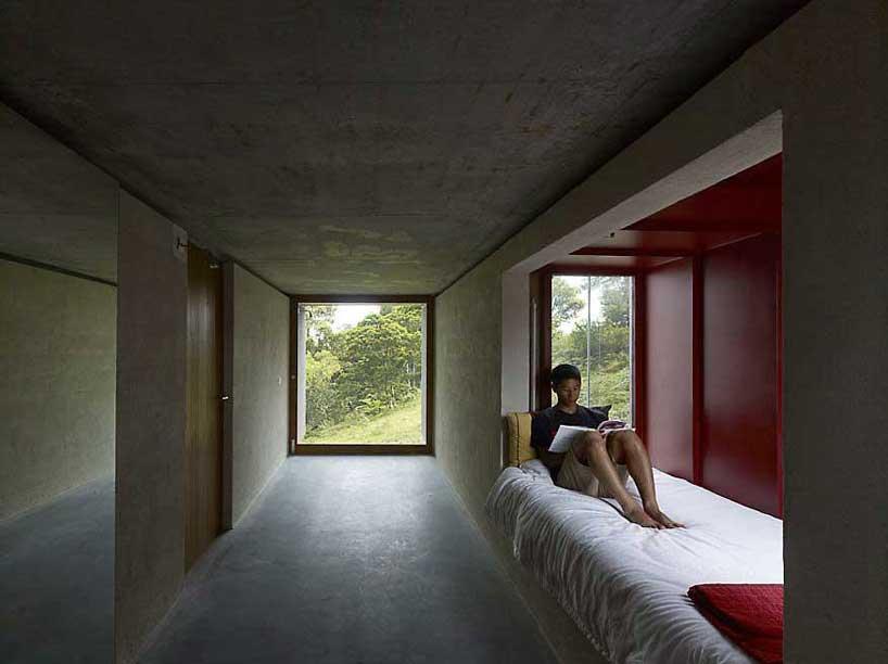 peter stutchbury architecture contour house
