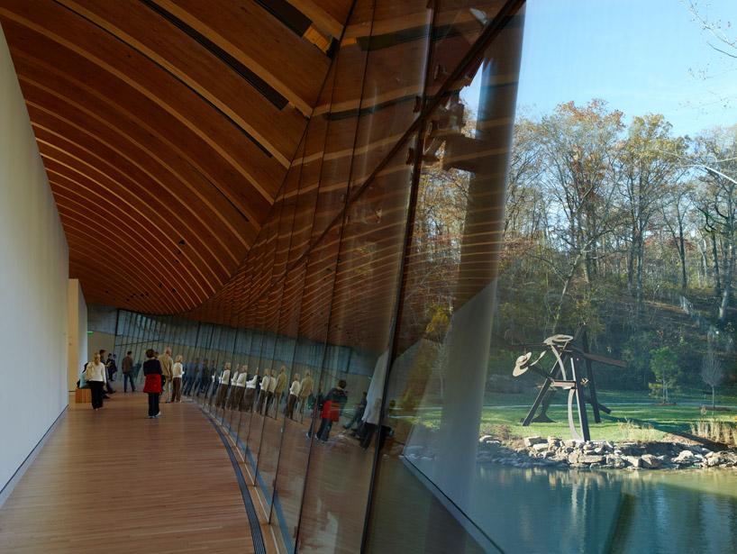 moshe safdie crystal bridges museum